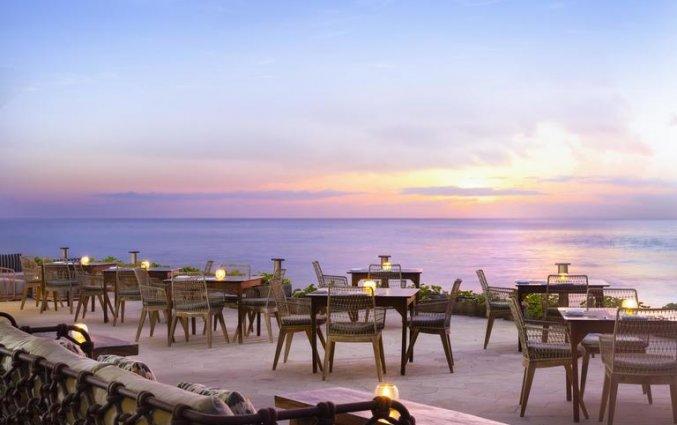 Buitenrestaurant van Resort Hilton Bali