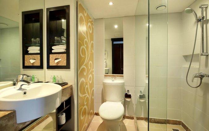 Badkamer van Hotel Prama Sanur Beach Bali