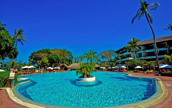 Zwembad van Hotel Prama Sanur Beach Bali