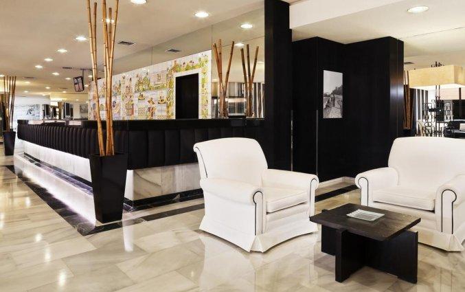 Lounge van hotel Melia Costa del Sol in Torremolinos