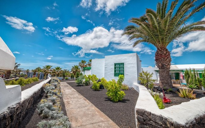 Buitenkant van appartementen Las Gaviotas in Lanzarote