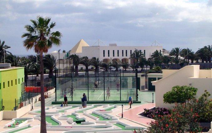 Tennisbaan van appartementen Santa Rosa in Lanzarote