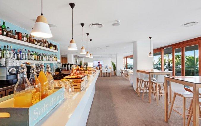 Buffet van hotel THB Los Molinos in Ibiza