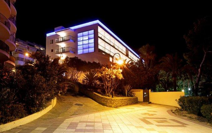 Buitenkant van hotel THB Los Molinos in Ibiza
